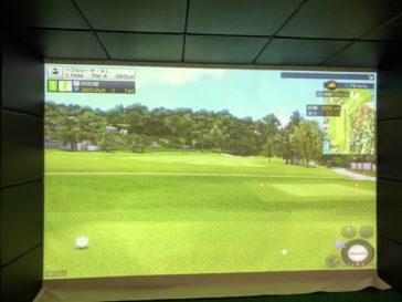 福岡のゴルフ練習場 スイングワン のシミュレーター1H