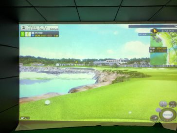福岡のゴルフ練習場 スイングワン のシミュレーター画面